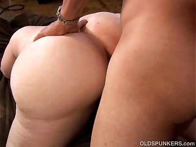 Super sexy mature blonde BBW is a not roundabout hot fuck