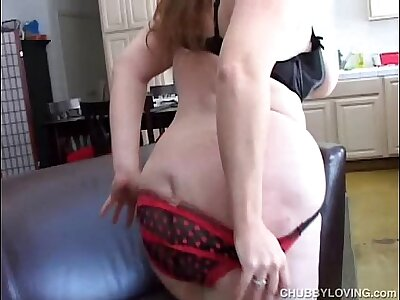 Super cute chubby amateur fucks the brush soaking wet pussy