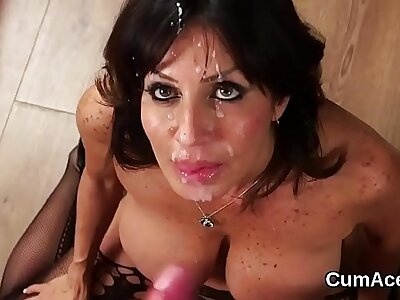 Hot model gets cumshot in rub-down the sky her complexion gulping all rub-down the fancy juice